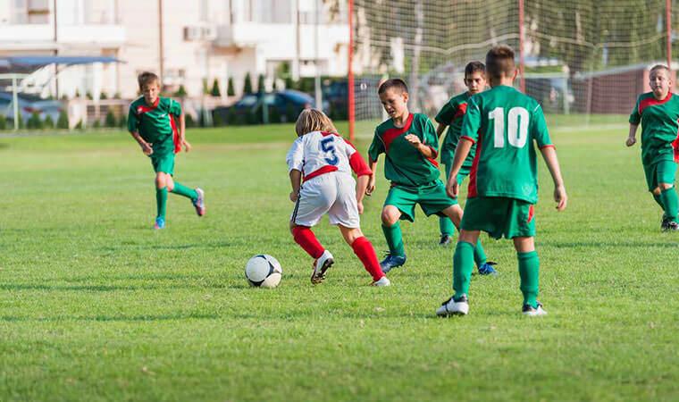 Background για το βιβλίο Ζήσε το όνειρο, οδηγός για το παιδικό ποδόσφαιρο στο Sportbook
